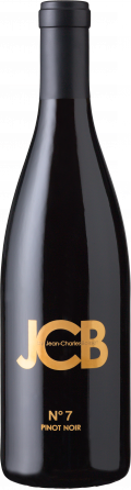 N°7 Pinot Noir bottle