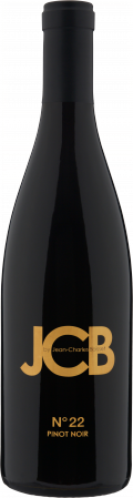 N°22 Pinot Noir bottle