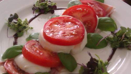 Summer Tomato, Fresh Basil & Mozzarella Salad